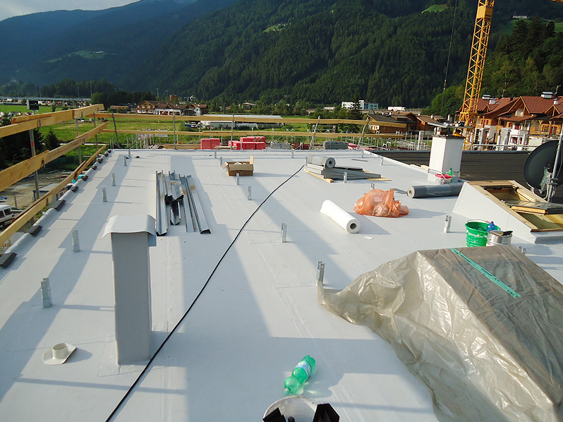 Impermeabilizzazione di tetti piani, terrazze e balconi